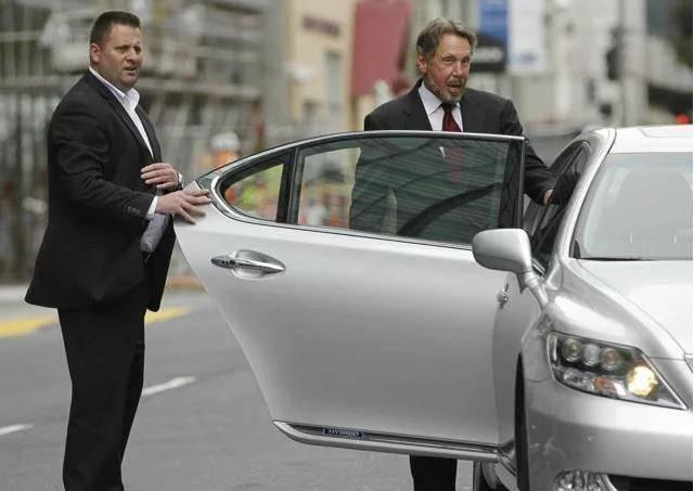 「【世界頂級富豪】都在開什麼樣的車?保時捷?蘭博基尼?統統都不是!」的圖片搜尋結果